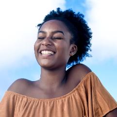 Salon De Coiffure Afro Paris Pas Cher | Inscrivez Vous Pour Devenir Coiffeuse Afro A Domicile Ou